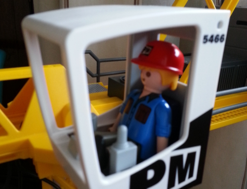 Playmobil crane review: beats Cayla and Frozen hands down
