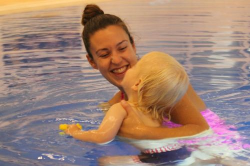 10-reasons-to-try-baby-swimming-lessons-10