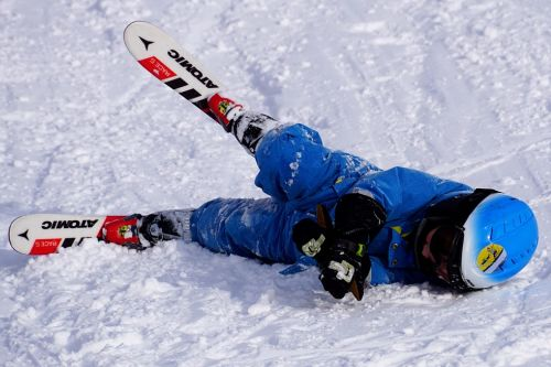 reasons to take kids skiing