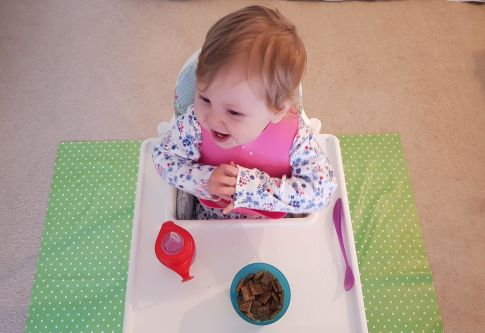 Win £30 worth of Messy Me oilcloth weaning accessories 12